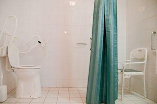 hof_van_dalfsen-sanitair_aangepaste_standaard_plus_kamer